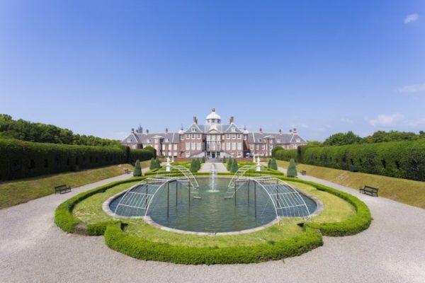 ハウステンボスの最奥に佇む宮殿