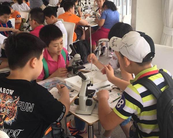 琵琶湖で環境保全学習