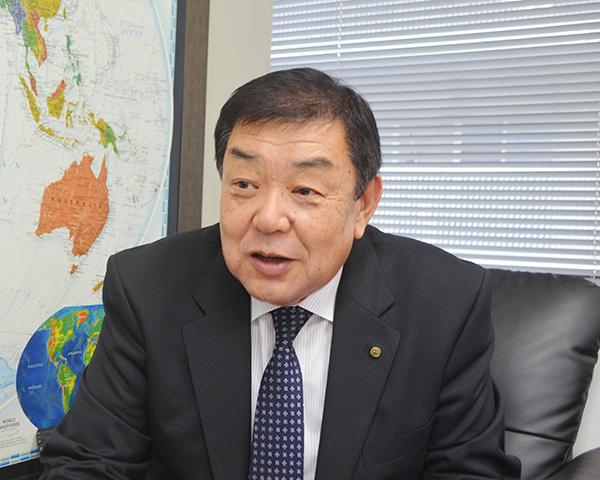 鈴木隆利副理事長