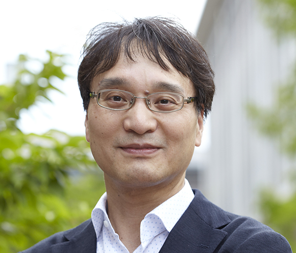 遠藤英樹教授